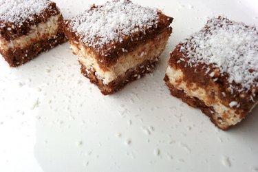 Cacaoblokjes met Kwark en Kokosvulling