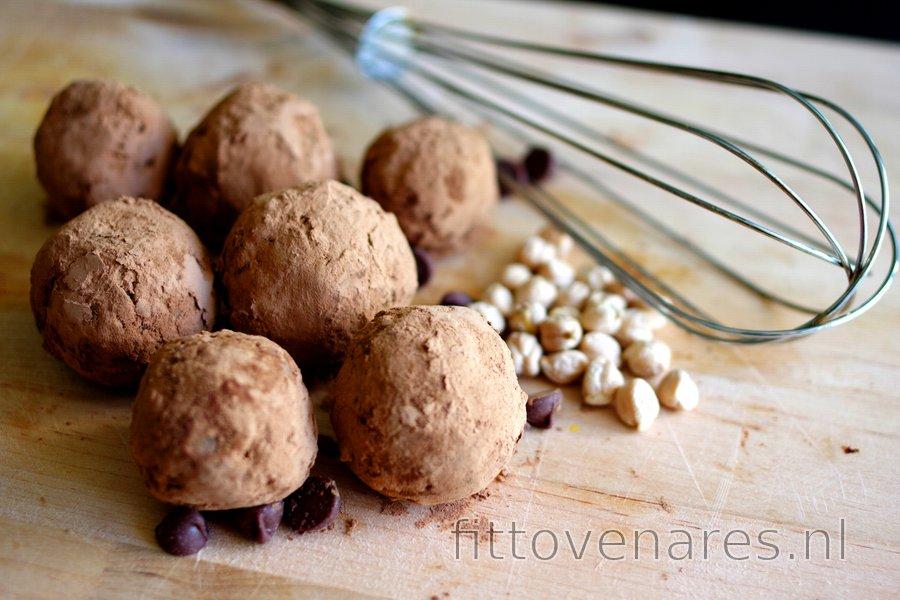 Kikkererwtenballetjes met een Cacaolaagje (Glutenvrij)