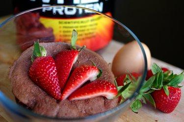 Snelle Eiwitrijke Mug Cake (Glutenvrij, Suikervrij)