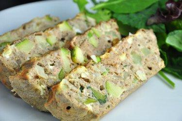 Gezonde gebakken tonijnomelet