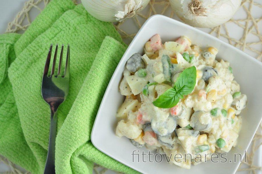 Lichte bloemkoolsalade (weinig calorieën en weinig vet)