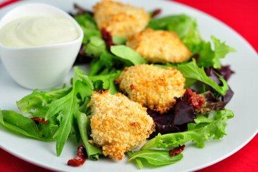 Makkelijke gebakken kipnuggets in yoghurtkorst