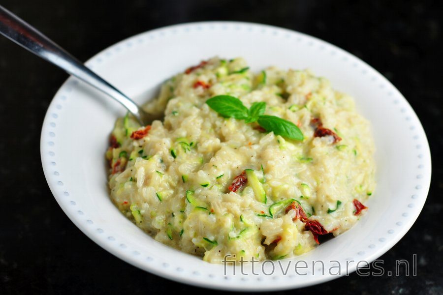 Lichte, romige risotto met courgette