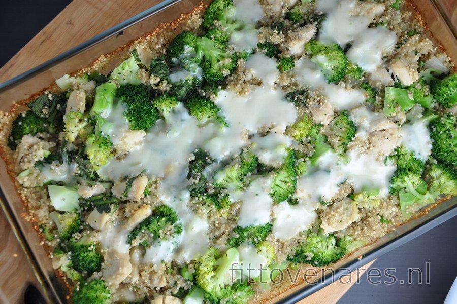 Gebakken Quinoa met Broccoli en Kip
