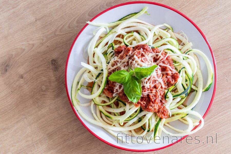 "Slanke Courgette ""Spaghetti"" met Tonijnsaus"